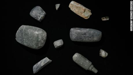 From the site excavated axes, dating from 1,000-700. Pr. Other valuable items were also found.