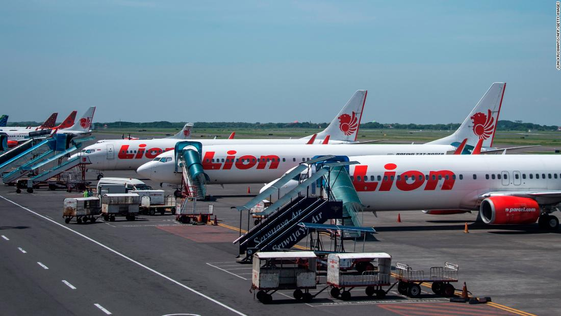 Indonesian Lion Air restarts flights, cancels them again