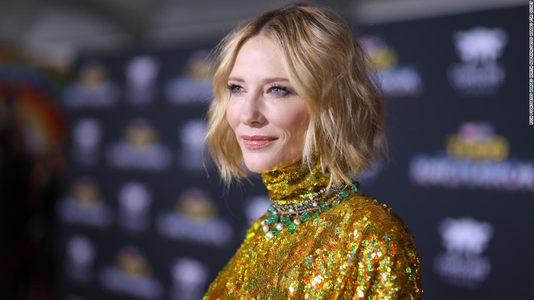 Cate Blanchett cut off her head with a chainsaw during the lock