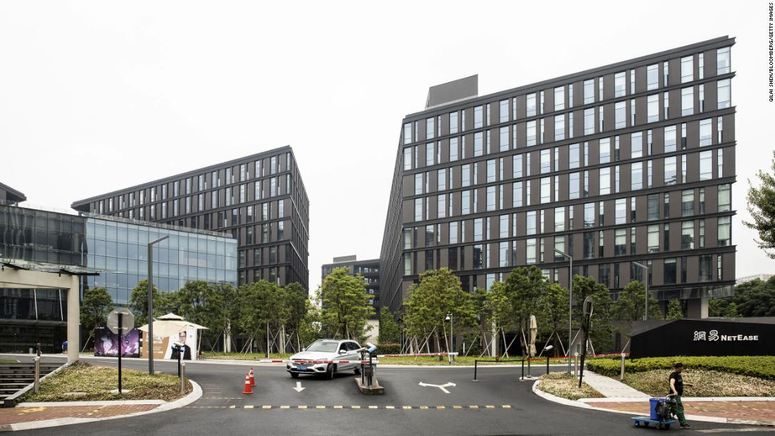 NetEase shares eight percent in its Hong Kong debut