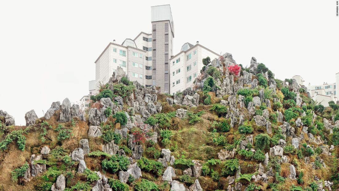 Photographer Seunggu Kim photographed Seoul's artificial 'mountains'