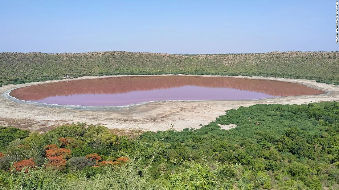 Lonarko Lake: A 50,000-year-old lake in India has just turned pink and experts don't know exactly why