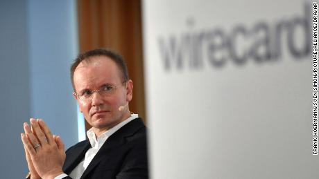 The director of Wirecard has given up after $ 2 billion went missing and they are launching fraud charges
