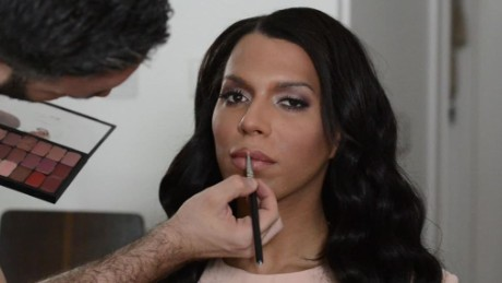 L & 39; Oreal rejected this model because of comments about systemic racism. He wants her back now