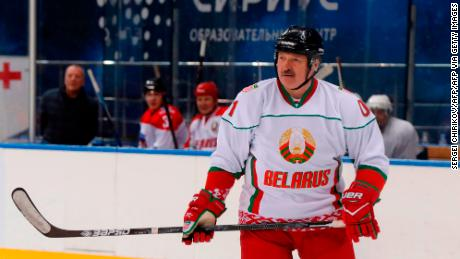 & # 39; It is better to die standing than to live on your knees, & # 39; says President of Belarus Alexander Lukashenko at an ice hockey game