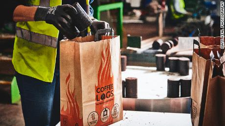 A bag of Bio-bean coffee logs costs around £ 7 ($ 8.70) - similar to other fire records available in the UK, says the company's founder.
