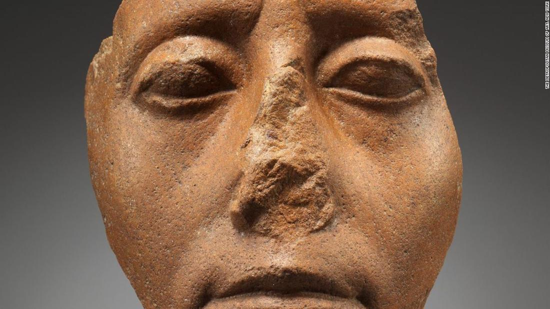 Why did so many Egyptian statues break their noses?