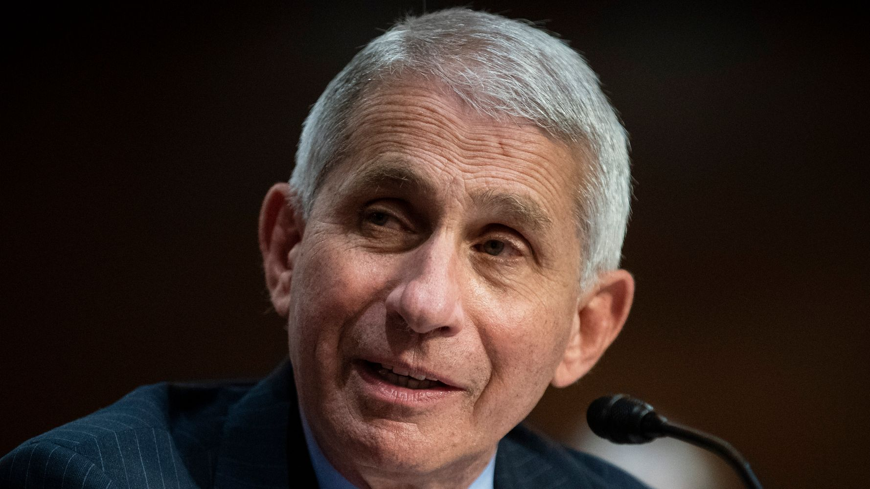 'What Leadership Looks Like': Old Fauci Pic Resurfaces Amid White House Attacks