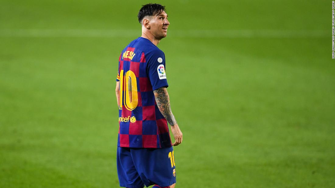 Lionel Messi scored the 700th goal of his career, but Barcelona stuttered in the race for the title