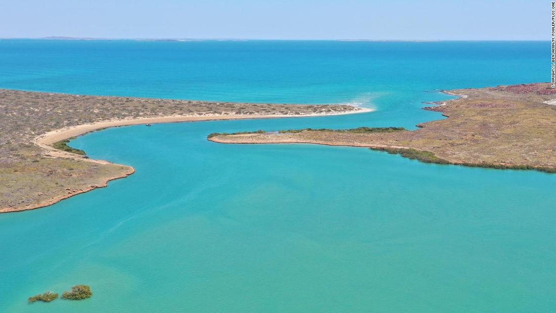 Aboriginal artefacts reveal first ancient underwater archaeological sites in Australia