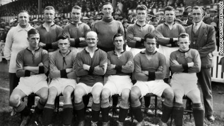 The Plymouth Argyle team posed for a photo during the 1927-8 season. Leslie is second from the right in the front row.