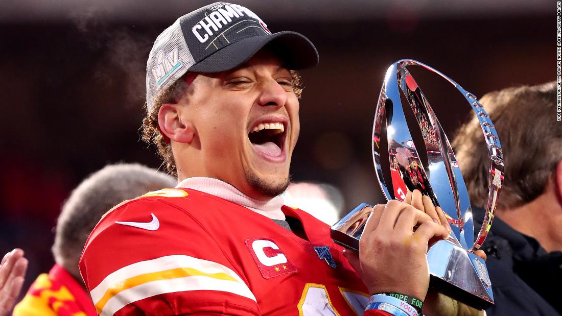 Patrick Mahomes signs the most successful sports contract in history, the agent says