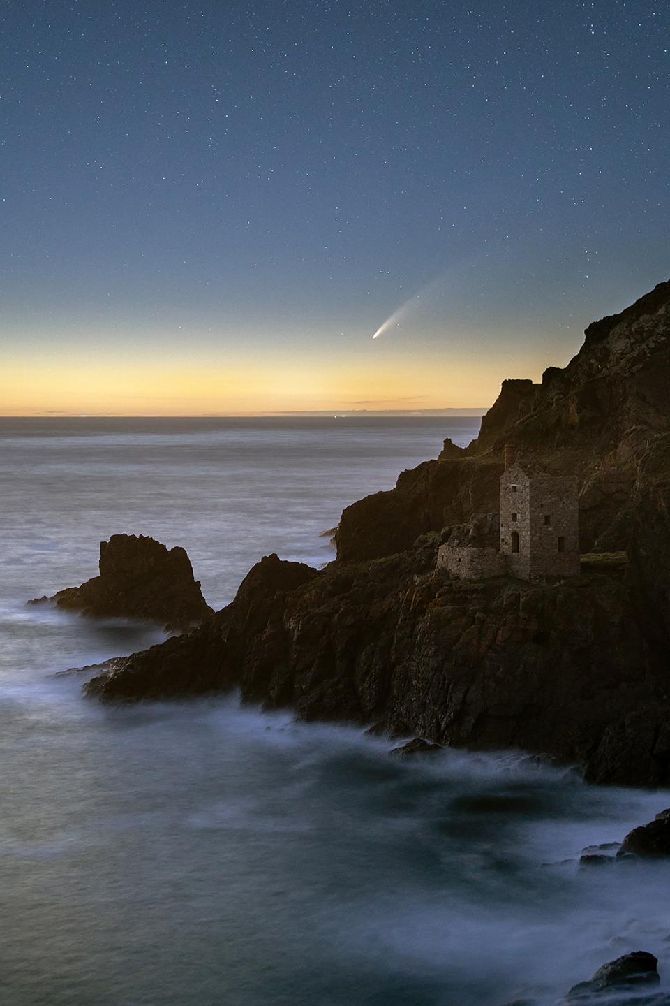 Comet NEOWISE above Crown Mines in Cornwall, as captured by landscape and nightscape photographer Ollie Taylor (photographed reproduced with permission).