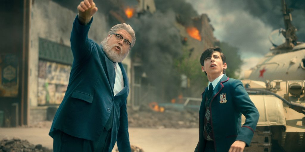 (L-R) Cameron Britton as Hazel and Aidan Gallagher as Five in 'The Umbrella Academy'