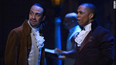 Lin-Manuel Miranda reacts to Hamilton & # 39; critique of slavery