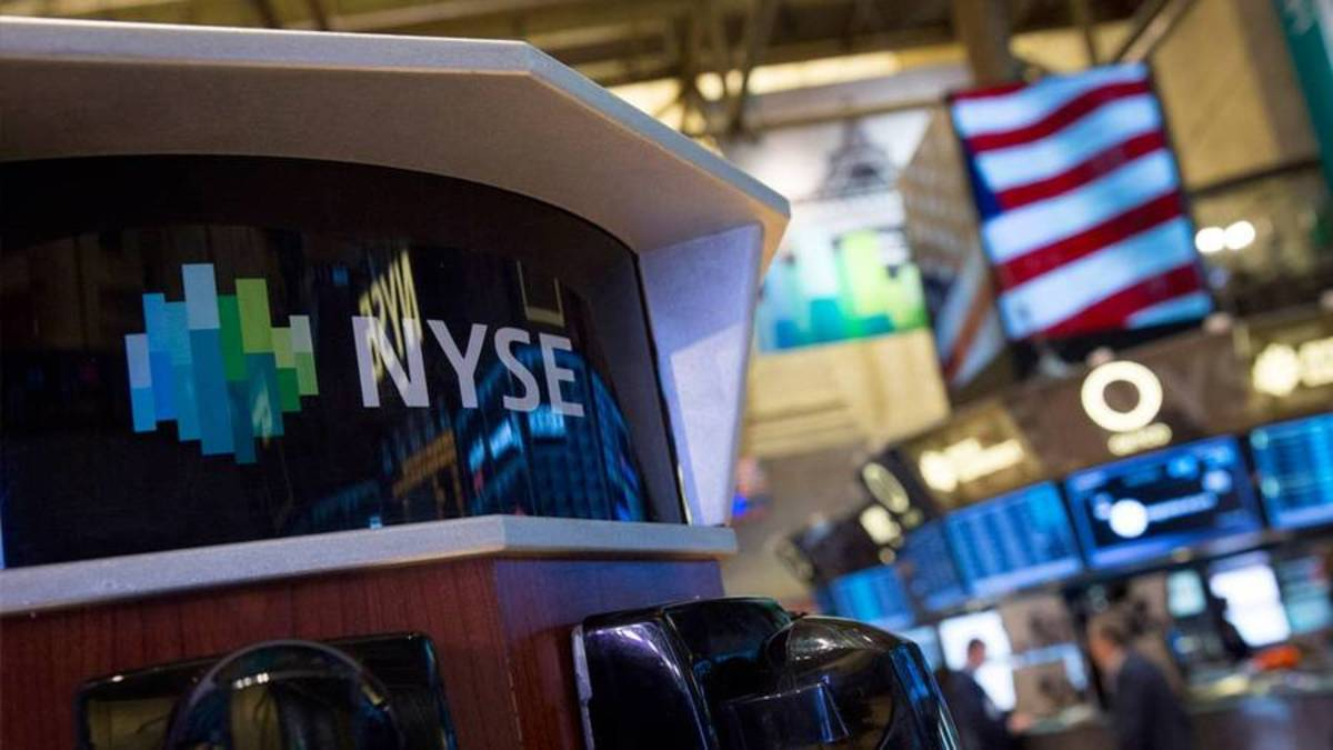 Dow Futures Attain In advance of Bank Earnings: China Tensions Lurk