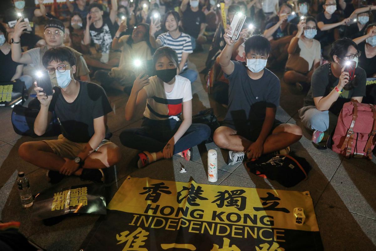 Hong Kong calls for Taiwan officials signal 'one China' doc for visa renewal: supply