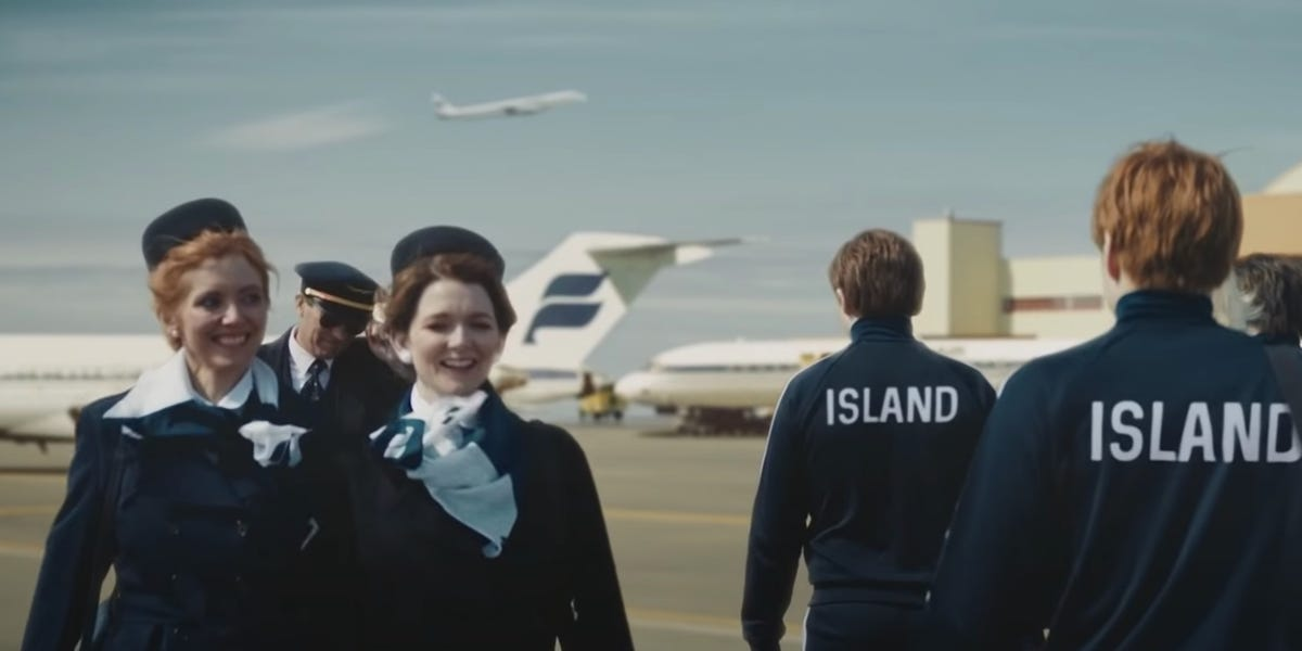Icelandair to fireplace all flight attendants and make pilots do their careers