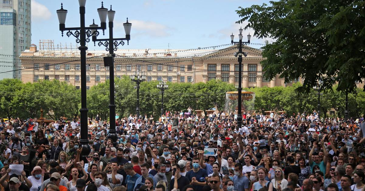 In Russia's considerably east, scarce anti-Putin protests obtain momentum