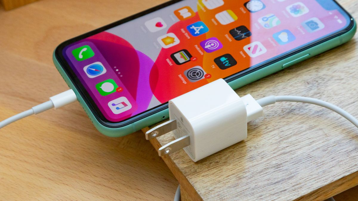 Iphone 12 could fall the charger — eco-friendly or just greedy?