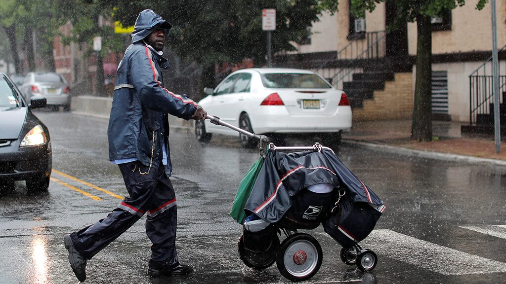 USPS warns of late mail delivery just after sizeable income decline amid coronavirus pandemic