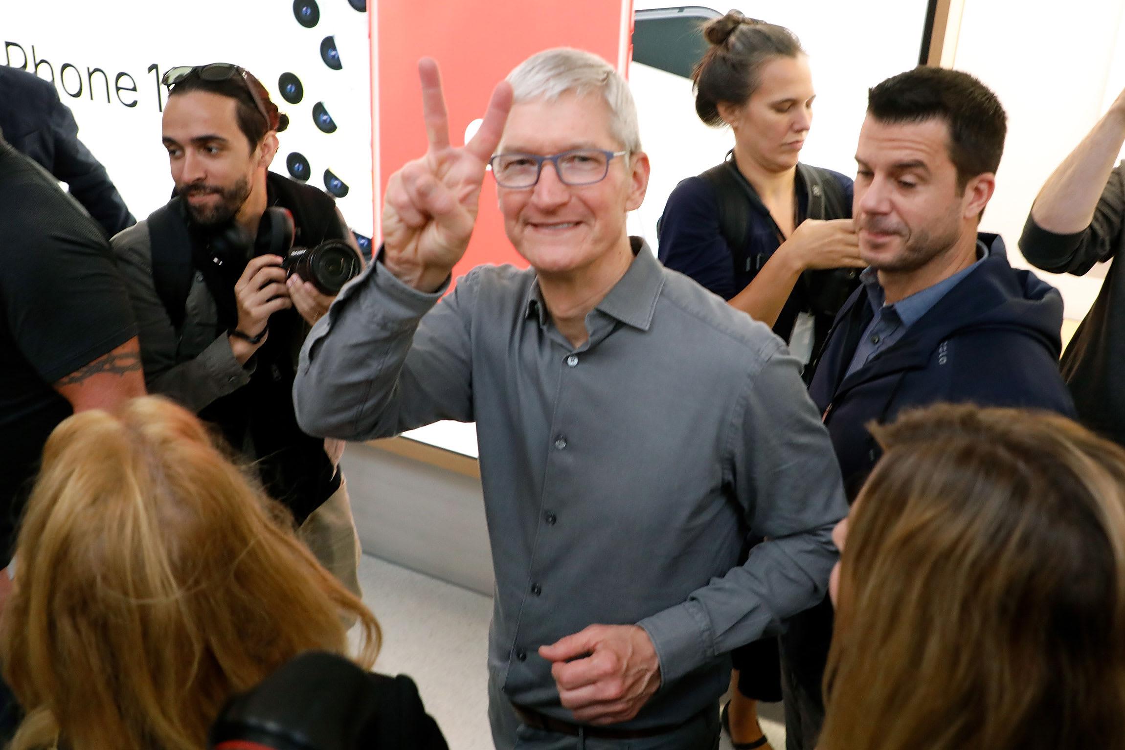 Apple, Tesla soar as inventory splits acquire effect