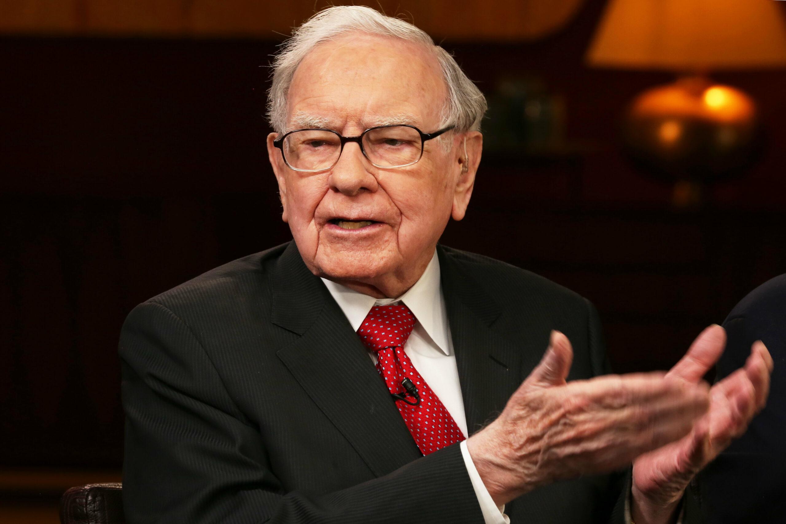 Buffett buys back record $5.1 billion in Berkshire stock as coronavirus hits operating earnings