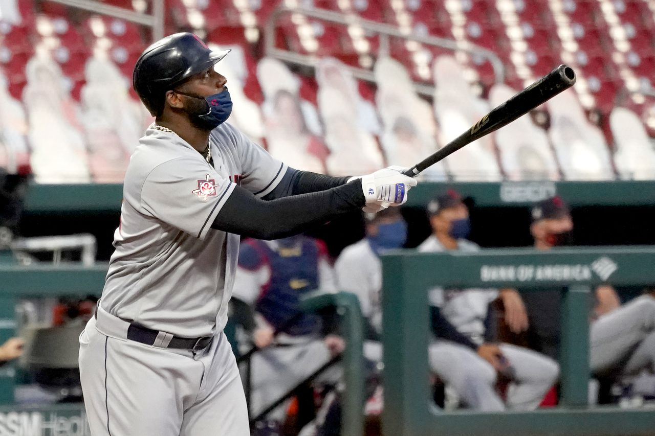 Cleveland Indians move into tie atop AL Central with 14-2 rout of St. Louis Cardinals