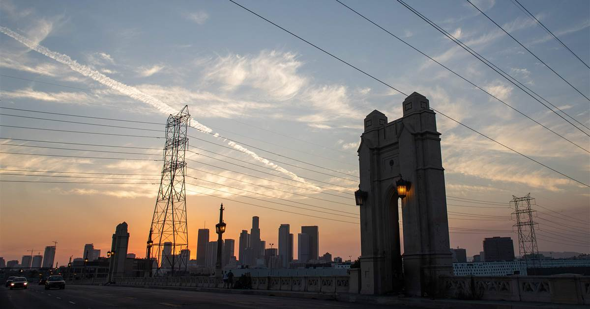 Millions struggling with electric power outages as heat wave overwhelms California energy grid