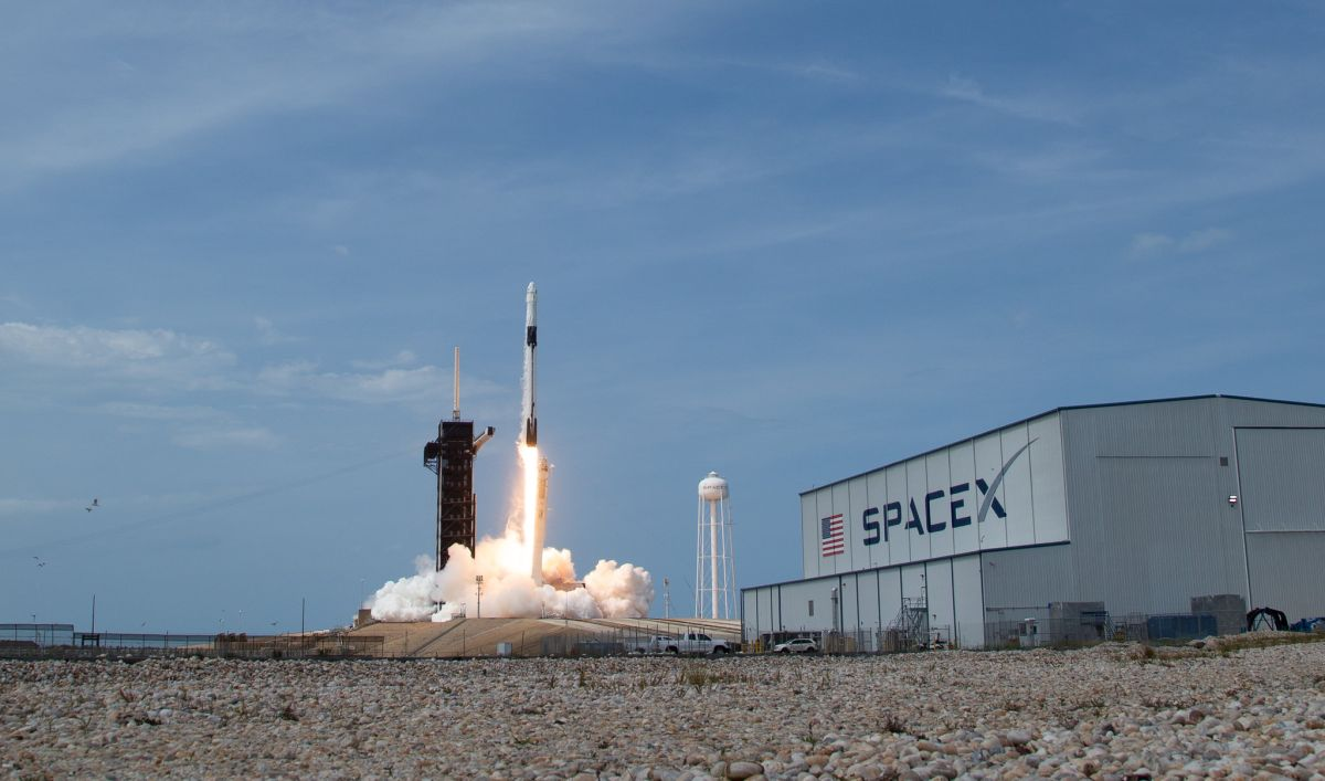 SpaceX raises $1.9 billion in most recent funding round: report