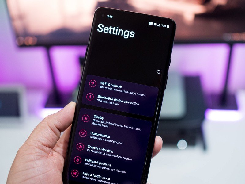 With OxygenOS 11, OnePlus ditches inventory Android for Samsung's Just one UI