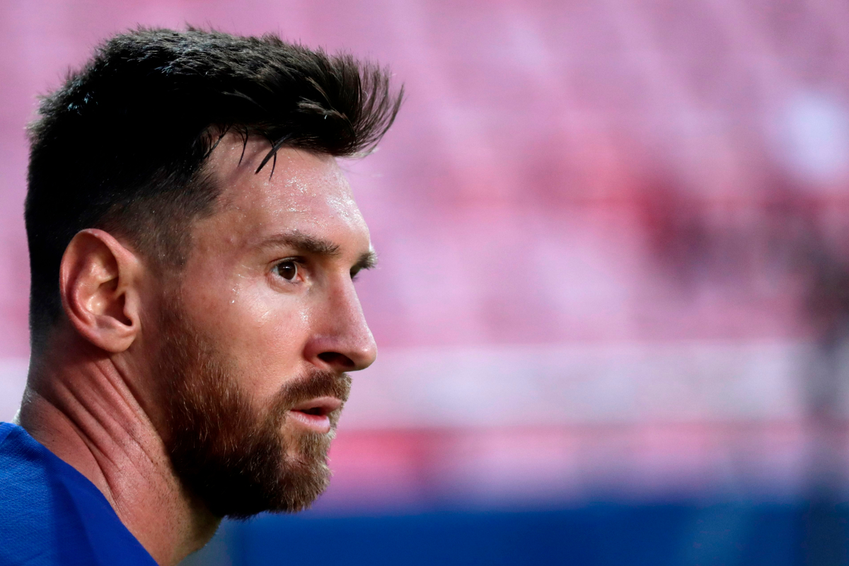 "Lionel Messi faces "" serious penalties "" due to Barcelona's absence while supporting Manchester City's move with his father over headlong talks"