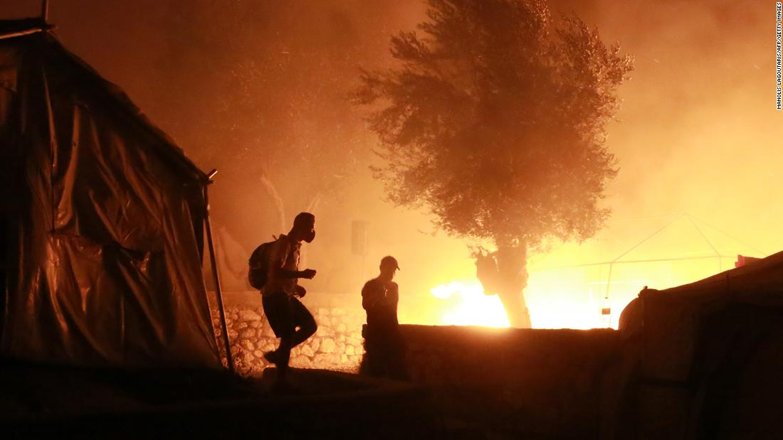 """Lesbos: Fire """"destroys"""" Europe's largest migrant camp"""