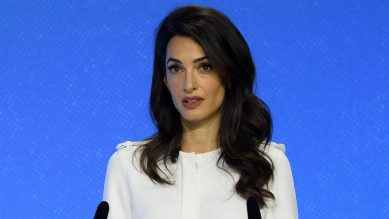 Amal Clooney resigns from the British government's position on Boris Johnson's proposal to cancel the Brexit agreement
