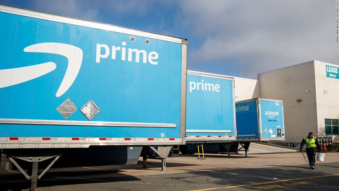 Amazon employs 100,000 people in jobs worth $ 15 an hour