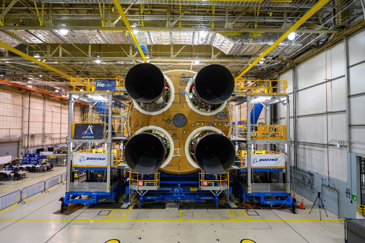 Giant NASA blasts past cost estimates and imposes congressional notification