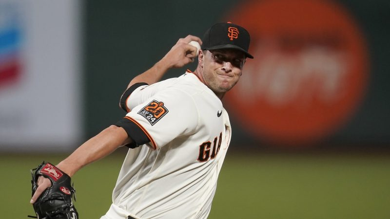 Giants' Watson leads by example to promote youth bulge in the final year of the decade