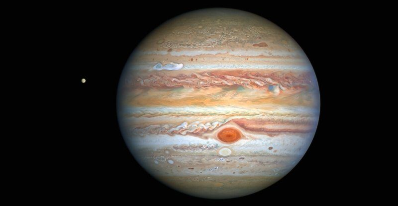 Hubble's glorious new image shows Jupiter's stormy side