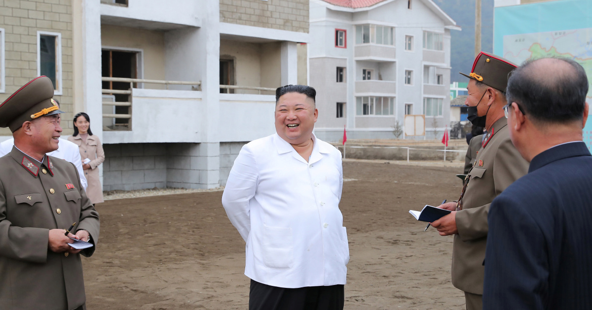 North Korean leader Kim Jong Un and his sister visit the flooded village | North Korea