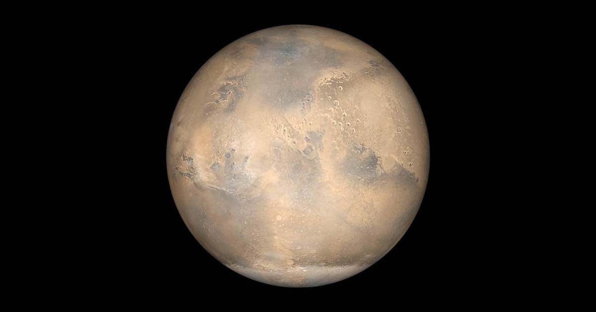 Mars shines during October 'opposition'
