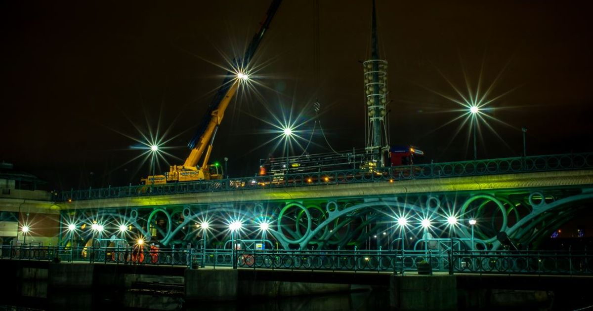 Time-lapse footage shows work going on overnight at the Tees Barrage's £ 3million restoration