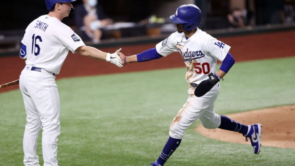 Los Angeles Superstars shine, the Dodgers lead Rise 8-3 in their opening match at WS