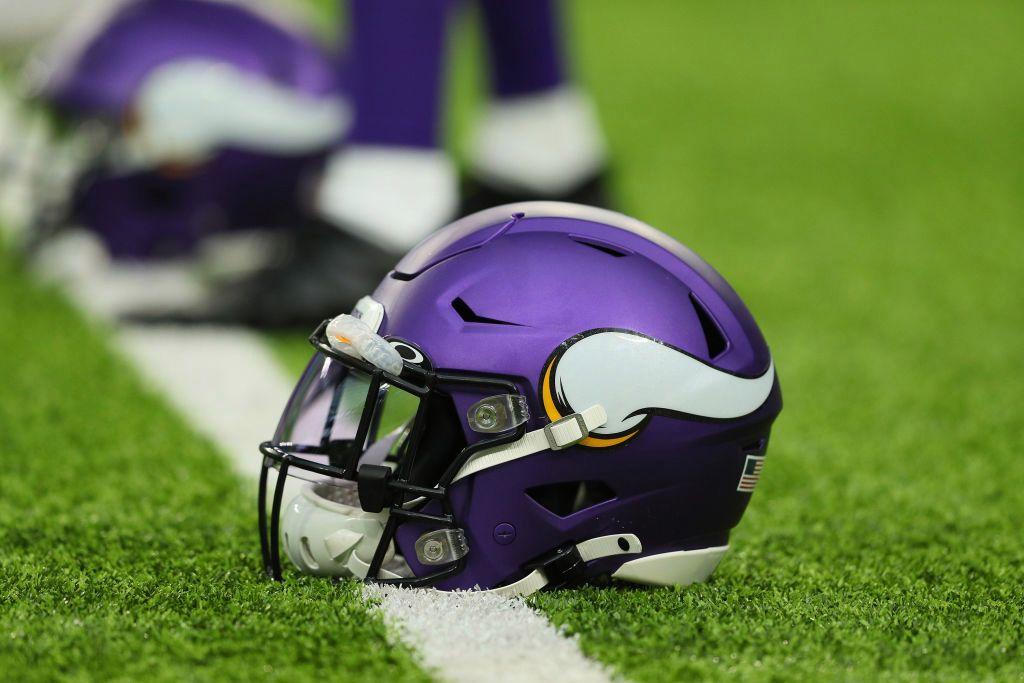 Report: Minnesota Vikings Linebacker Tests Positive For COVID-19 - WCCO