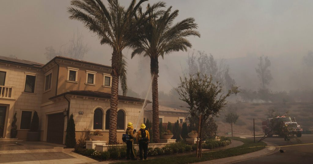 Silverado fire in Irvine forces thousands of California residents to evacuate