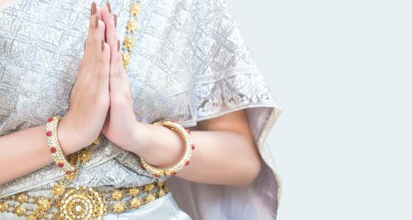 Karwa Chauth 2020: 5 traditional jewelery pieces women can wear to embrace traditions and customs with modernity
