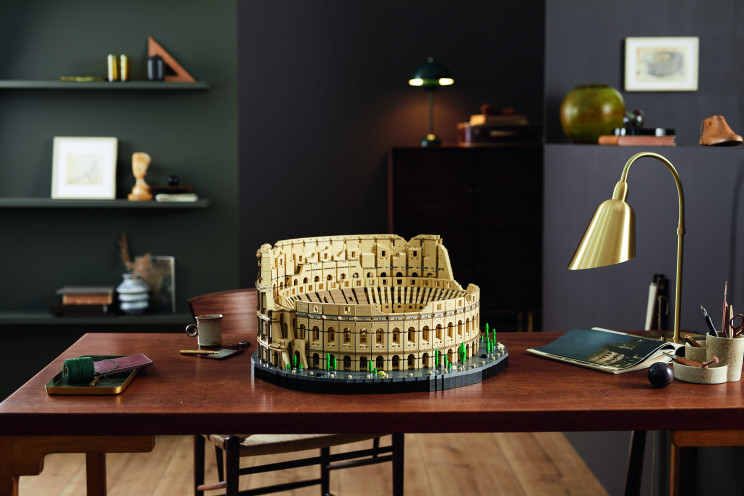 The Roman Colosseum from LEGO is the largest ever, containing 9,036 items