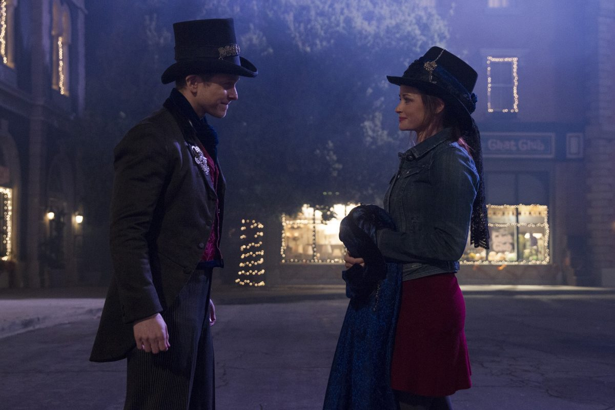 Matt Couchery as Logan Hunzberger and Alexis Bledel as Rory Gilmore in Gilmore Girls: A Year in the Life