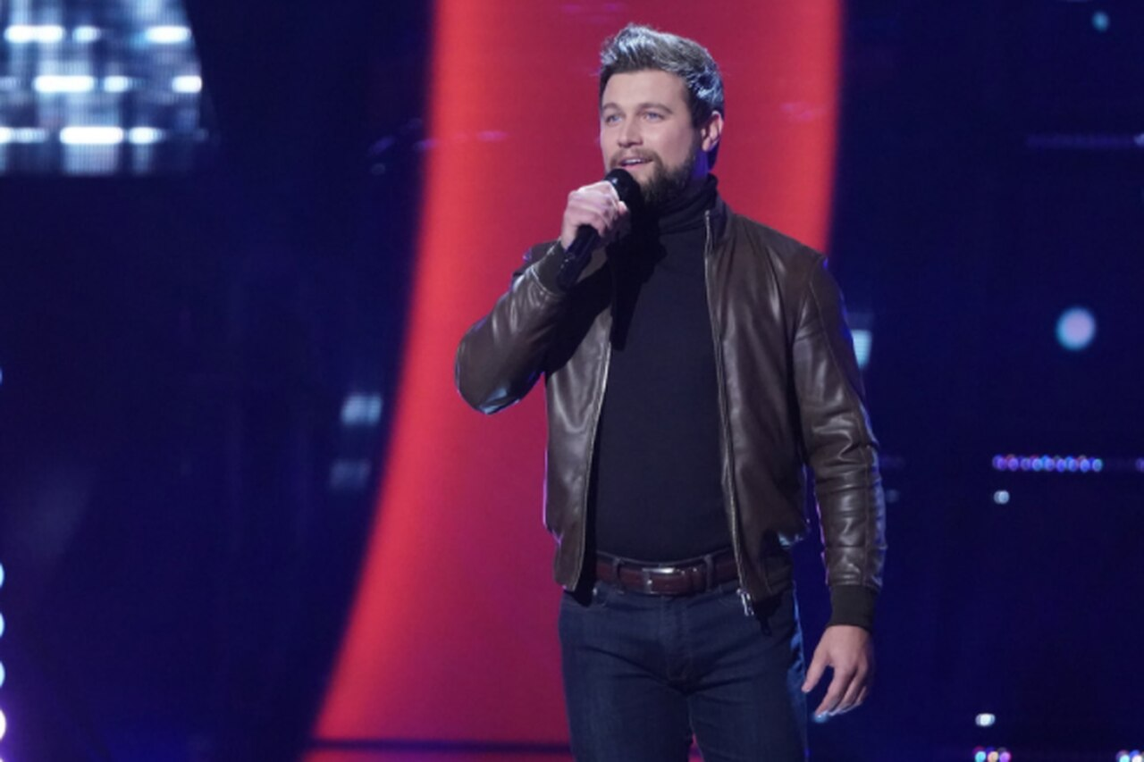"""An opera singer in small Michigan slays a Celine Dion song on the """"The Voice"""" Battle Tour."""