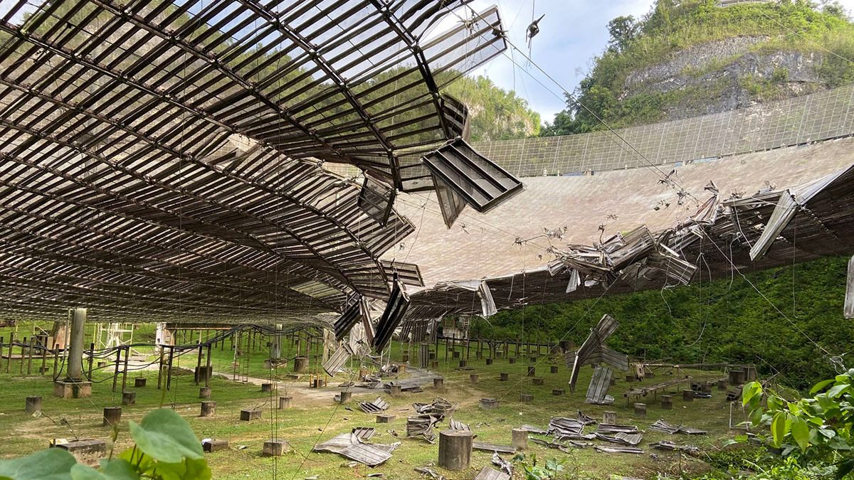 Arecibo's second cable failed, causing further damage to the popular SETI dish
