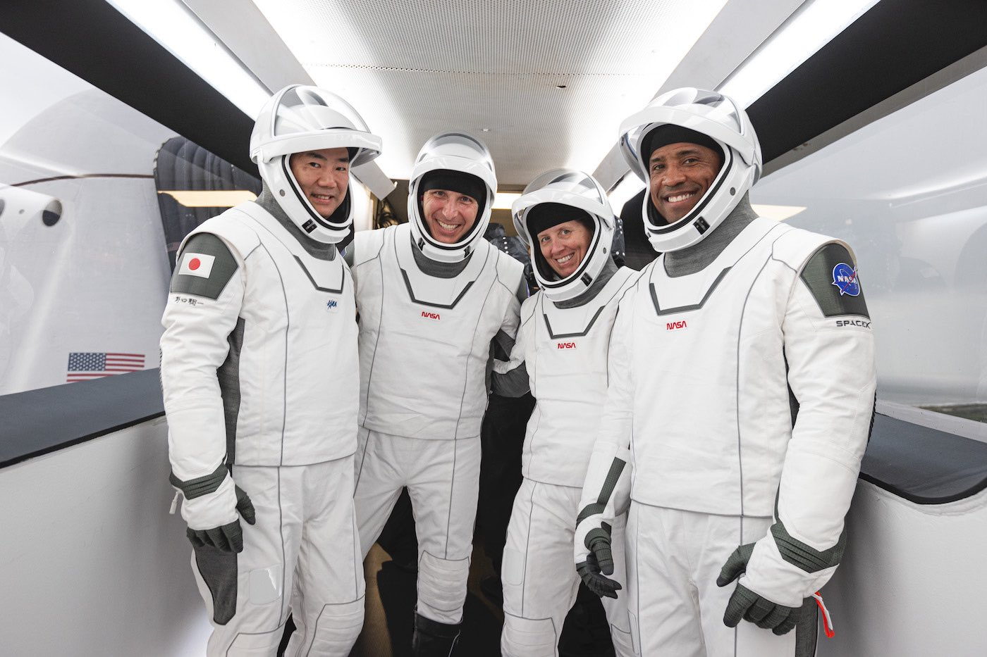 Astronauts train for launch day while mission managers watch the weather – Spaceflight Now